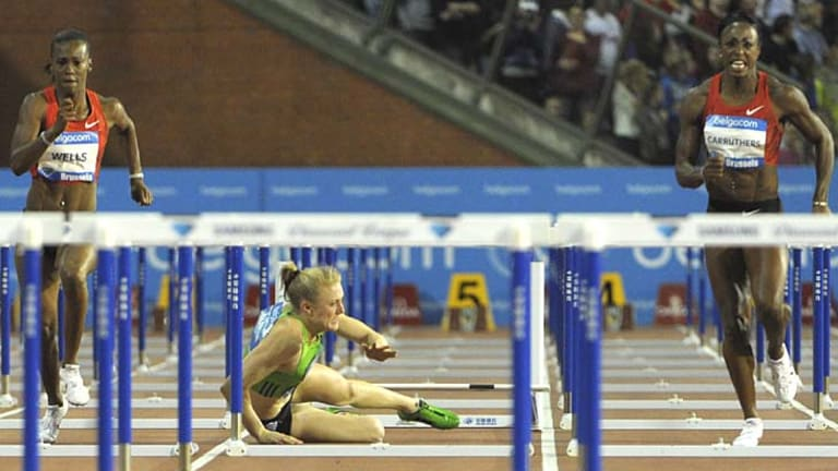 Sally Pearson crashes out of the Diamond League season ending meet in the 100m hurdles in Brussels.