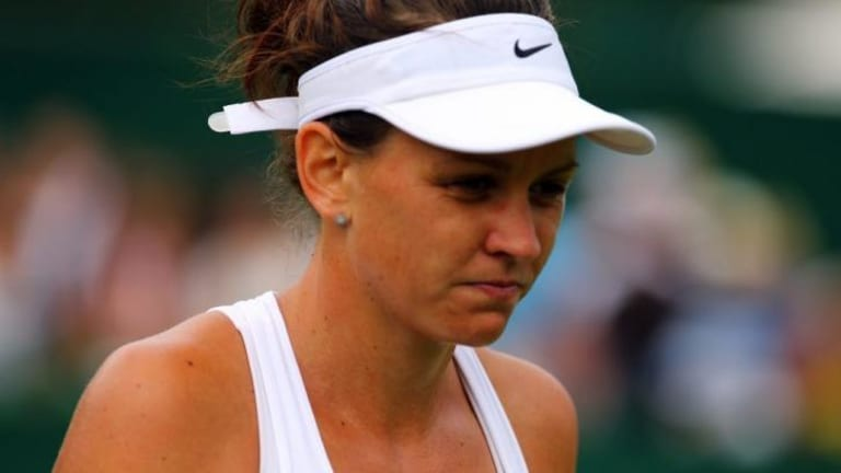 Casey Dellacqua put in a good show, but just not good enough to beat Agnieszka Radwanska