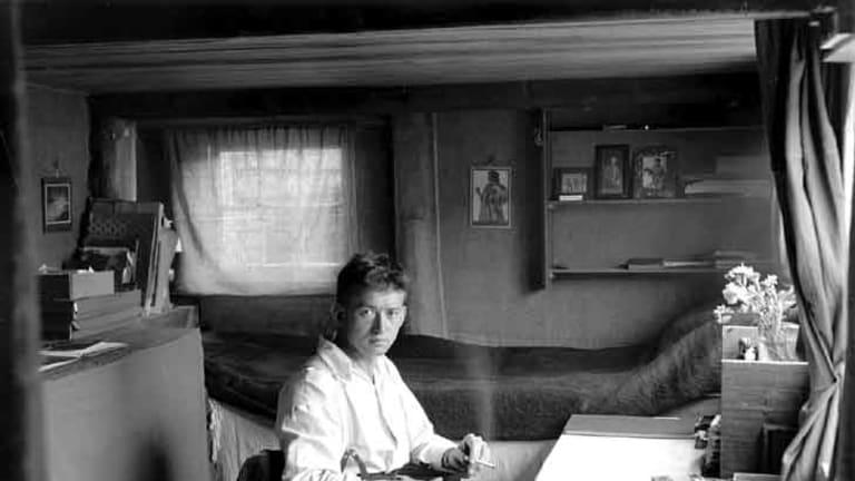 Paul Dubotzki in his barrack in Trial Bay, 1916-1918.