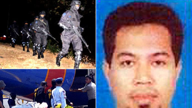 (Clockwise) Police officers load bodies of militants into plane, anti-terror police move into position before the raid on Noordin's Solo hideout, Noordin Mohammed Top.