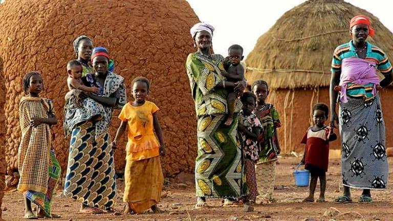 People in the Zourare Azga Village, in between Bernin Konni and Tahoua, in Niger.