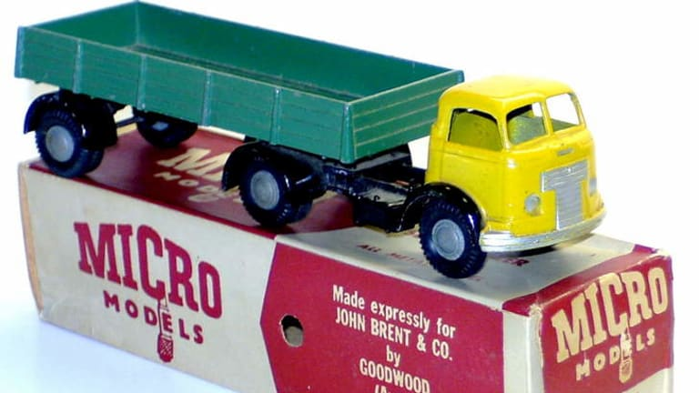 This  Micro Models Commer articulated semi-trailer sold for $650 recently. This is thought to be the record for a Micro Model at auction.