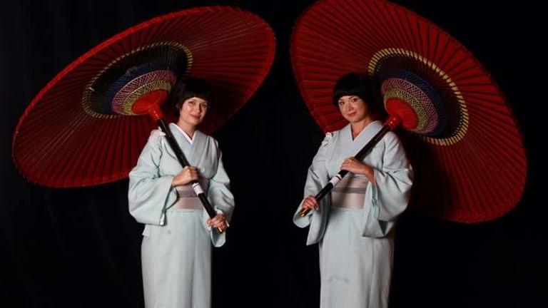 Victoria Lambourn and Anna Yun.