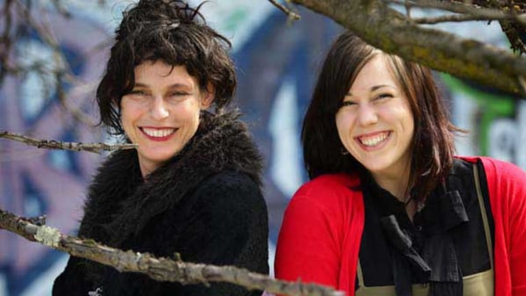 Deborah Conway is a mentor to emerging artist Jessie Upton.