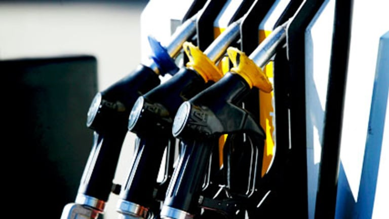 High oil prices have a economic cost.
