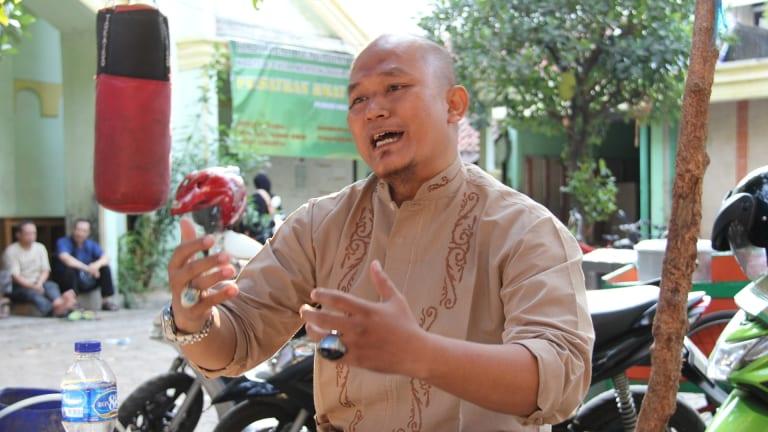 Budi Waluyo, an Indonesian man who has pledged allegiance to Islamic State.