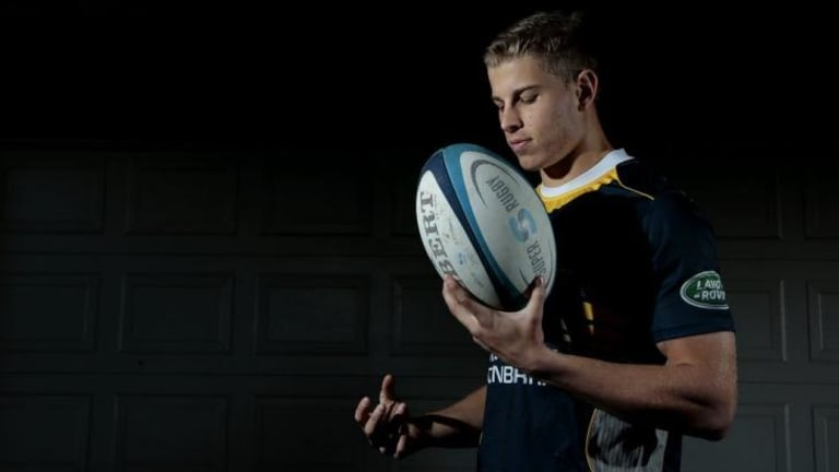 Michael Dowsett has been re-signed by the Brumbies.