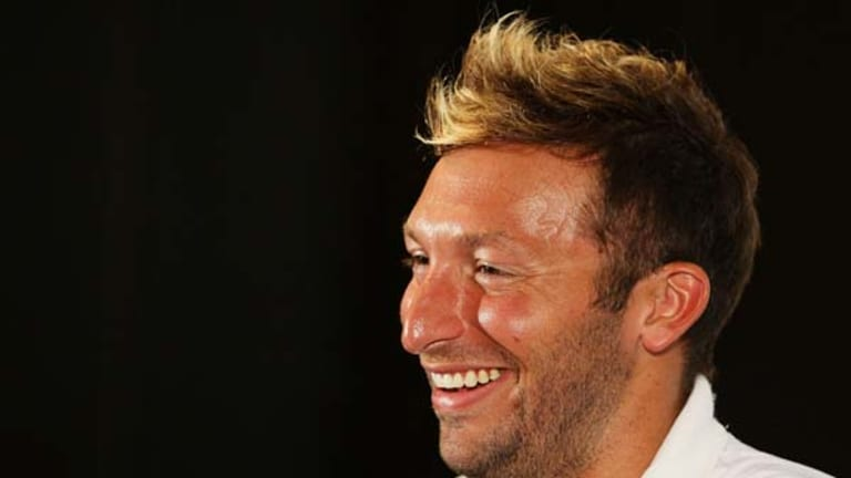 Ian Thorpe announces his return to swimming for the 2012 London Olympic Games.