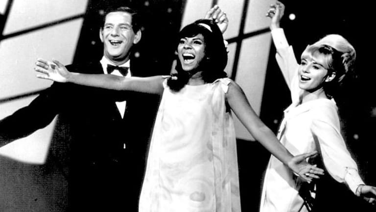 Cathy Wayne and Joe Martin flank Leslie Uggams in a 1967 Channel 7 performance.