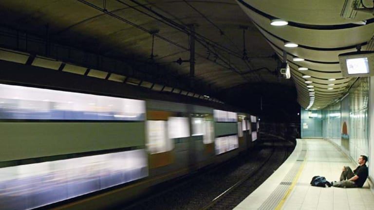 Melbourne must have an airport rail link or tourism will suffer, the RACV warns.