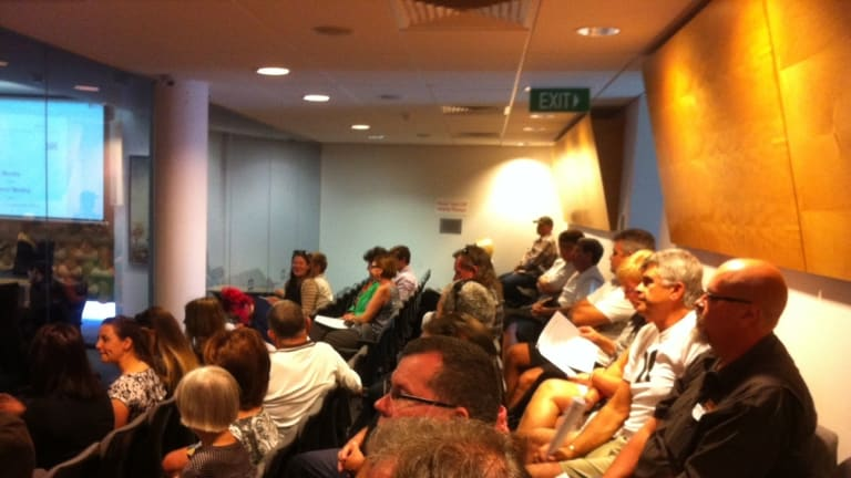 The Gold Coast City Council meeting is packed as an application to build a mosque is considered.