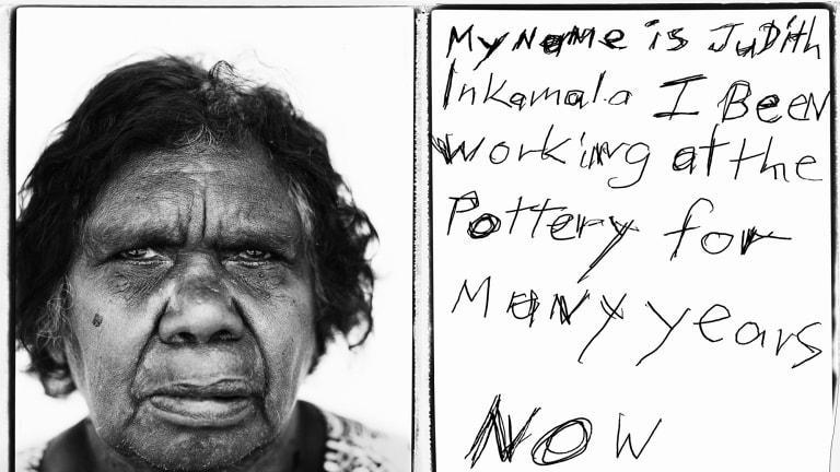 Judith Inkamala of the Hermannsburg Potters, with an edging in Polaroid Type 665 Film. Photo: Tobias Titz.