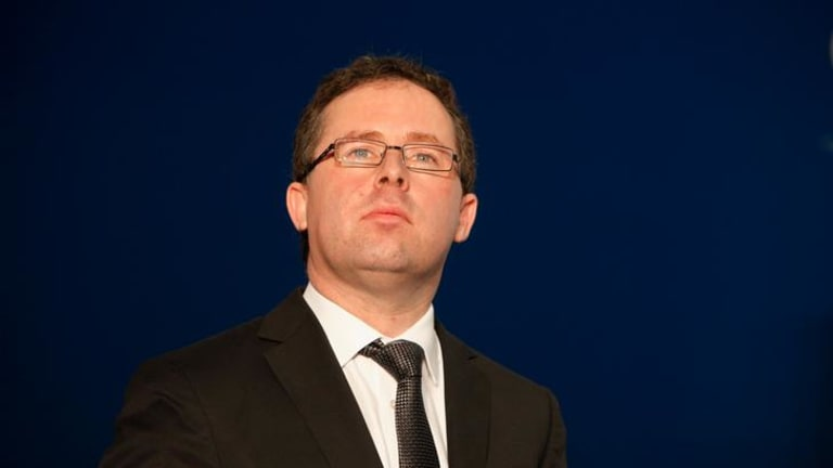 Faced with a 'slow bake' of Qantas, the boss turned up the heat on the union thugs.