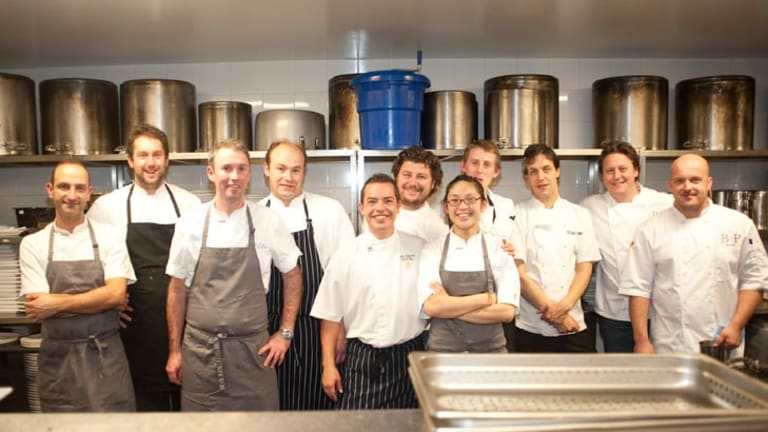 Michael Fox, Mathew Macartney, Scott Pickett, Nathan Johnson, Darren Purchese and Ian Burch and cooking team for the National Stroke Foundation's Food for Thought event.