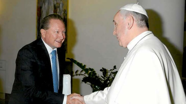 Mining billionaire Andrew Forrest meets Pope Francis to discuss a bid to end slavery.