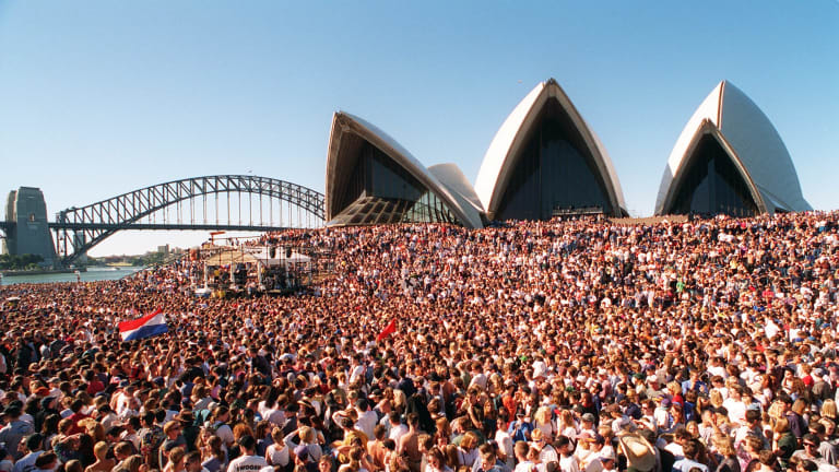 A very Crowded Opera House in 1996.
