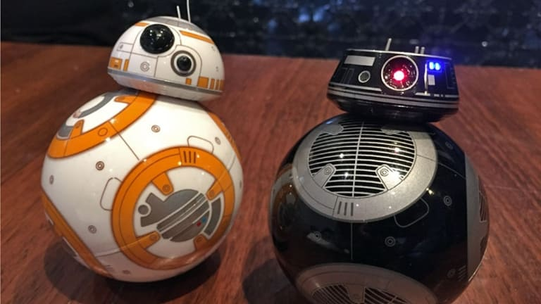 Newcomer BB-9E, due to appear in <i>Episode VIII: The Last Jedi</i>, joins fan favourite BB-8.
