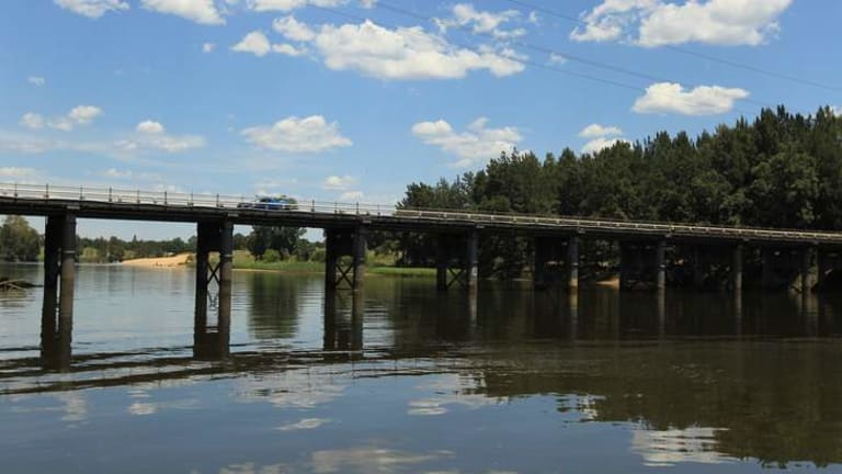 Built to last: Labor wants an inquiry into plans for removing the historic Windsor Bridge.