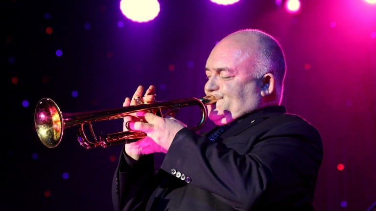 Veteran jazz performer James Morrison will perform with the CYO.