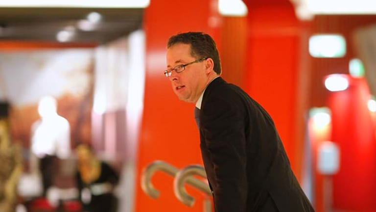 Alan Joyce's pay rose 71% last year - while shares fell 16%.