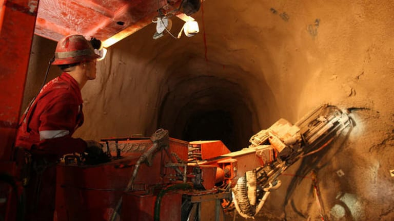 EFIC to help finance second stage of Oyu Tolgoi mine.