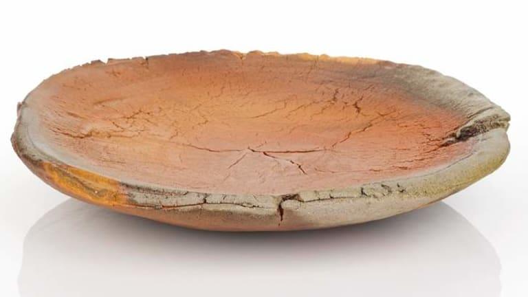 A woodfired terracotta platter by Kwi Rak Choung.
