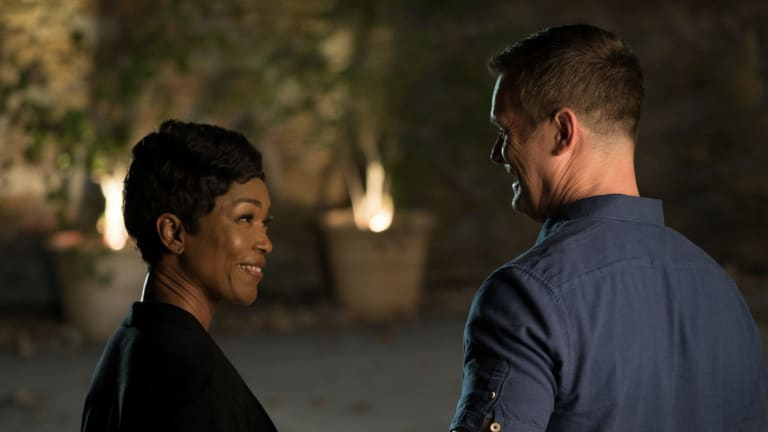 9-1-1 features Angela Bassett and Peter Krause.