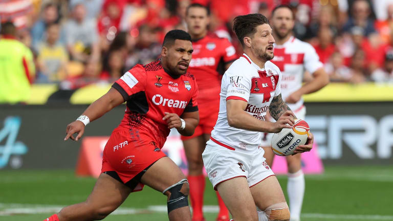 Looking out for No.1: Gareth Widdop says he learnt plenty of lessons playing at fullback for England.