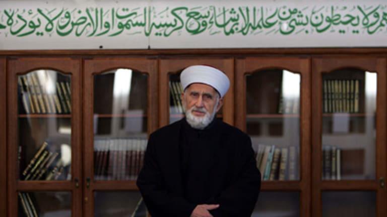 Sheik Fehmi Naji El-Imam, Mufti of Australia, has denied claims that some leaders condone domestic abuse.