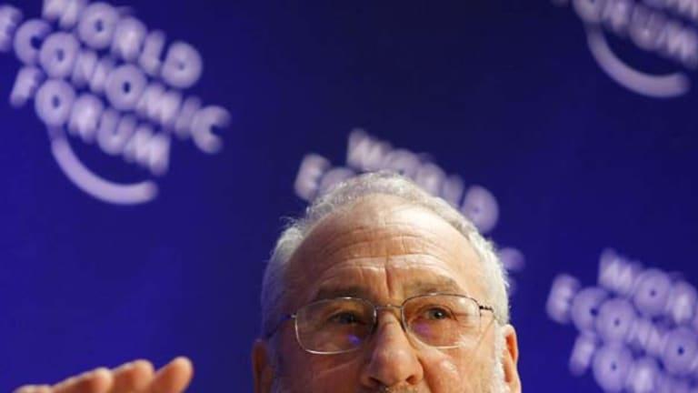 Joseph Stiglitz, the 2001 Nobel Prize winner for Economics, has lauded Labor's stimulus spending.