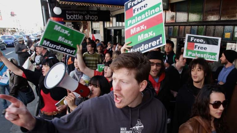 Protesters on King Street, Newtown, protesting against the Max Brenner business.