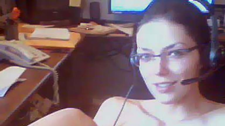 Adrianne Curry, America's Next Top Model winner, posted a picture of herself playing World of Warcraft on Twitter.