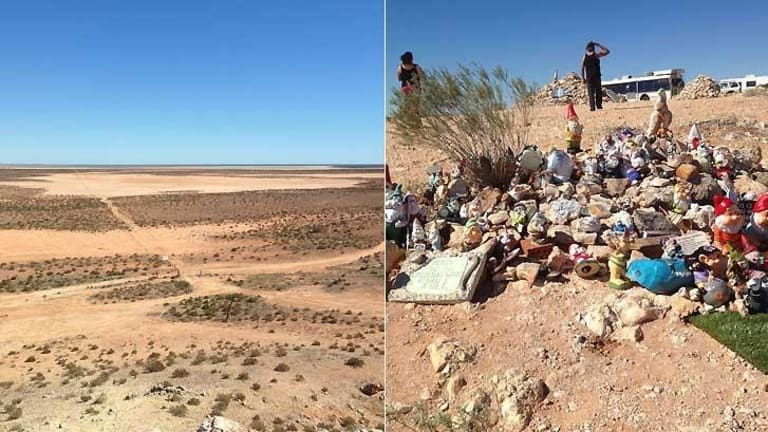 The piles of rocks at the Gladstone Scenic Lookout in WA.