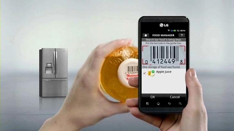 "A ""food manager"" app for an LG fridge on an LG phone."