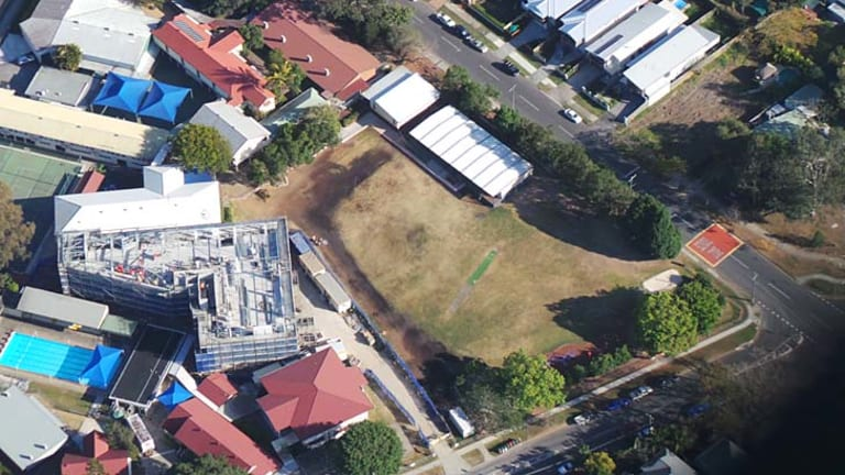 Asbestos has been found on the oval at Graceville State Primary School.