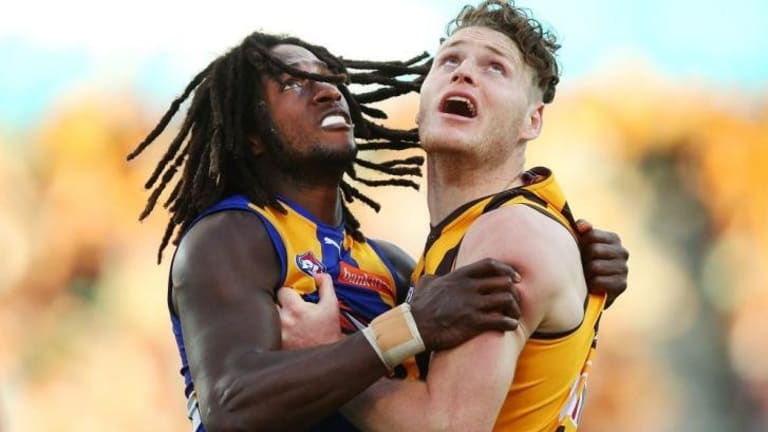 Luke Lowden comes to grips with Nic Naitanui.