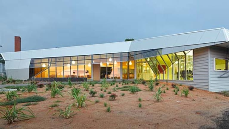 The Gippsland TAFE Learning Centre attracts the natural light or channels the prevailing northerly winds for cross-ventilation.