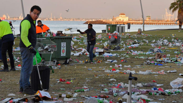 The rubbish spoils an otherwise iconic view.