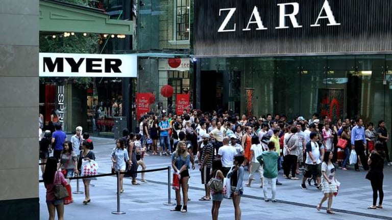 Popular ... crowds queue to enter the Zara store in Sydney.
