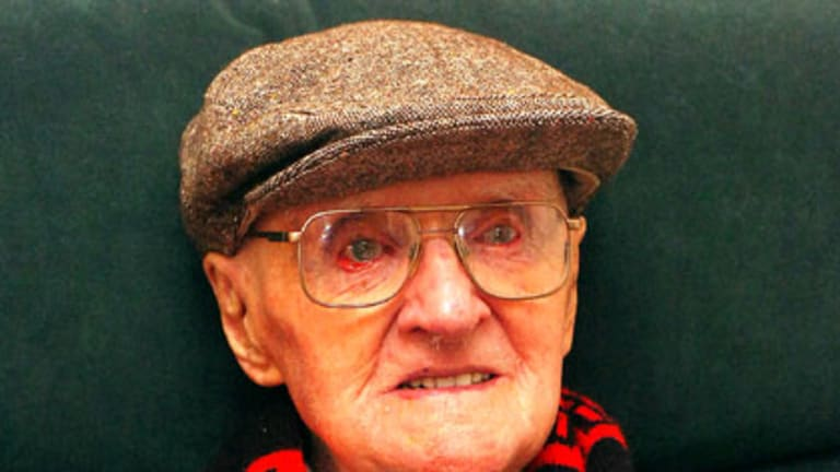 Dead at 110 ... Jack Ross photographed in 2005.