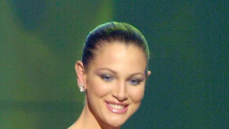 Miss Venezuela 2001 ... Eva Ekvall.