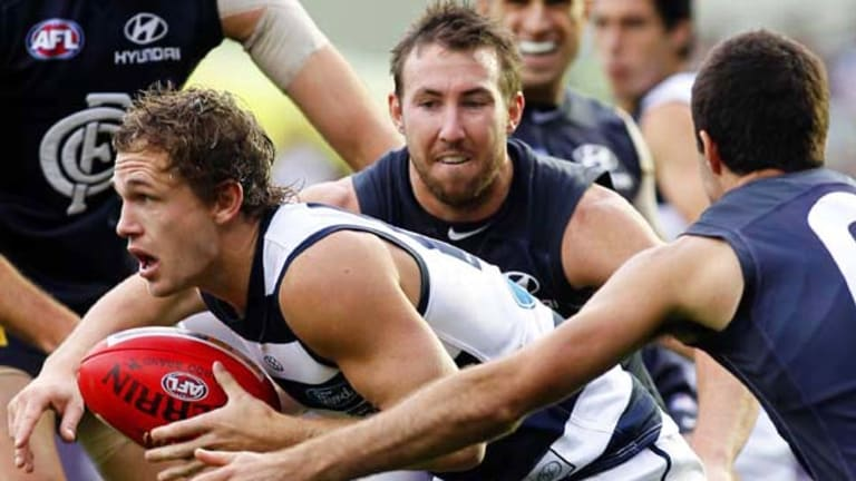 Midfielder Joel Selwood is believed to have asked Geelong for a new two-year contract, whereas the club was keen to offer longer.