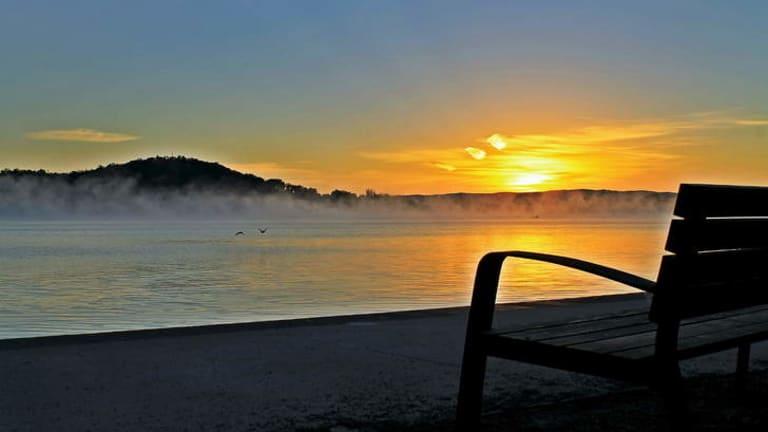 Sunrise on the Kingston Foreshore.