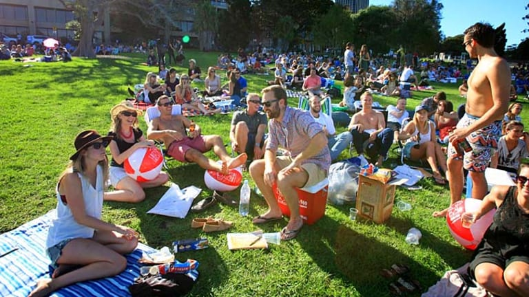 Light, camera, action ... crowds gather for the Tropfest film festival.