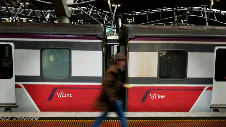 A V/Line train at Southern Cross Station. At Bendigo Railway Station 10 per cent more people arrive each workday than leave.