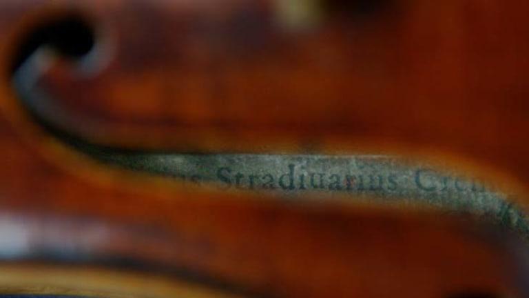 Modern violins vs. the Stradivarius ... what do musicians prefer?