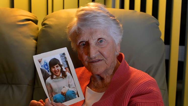 Eileen Piper with a picture of daughter Stephanie, who killed herself in 1994.