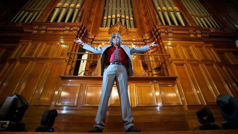 Bart Willoughby at the Town Hall organ.