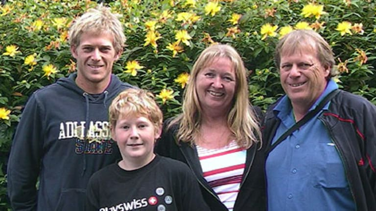 Brydan Klein, his younger brother Tom, mother Tricia and father Verne.