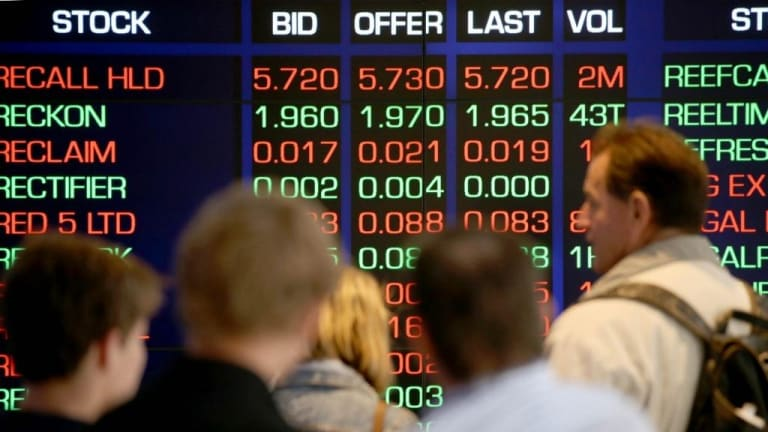 The Australian sharemarket lifted on banks.